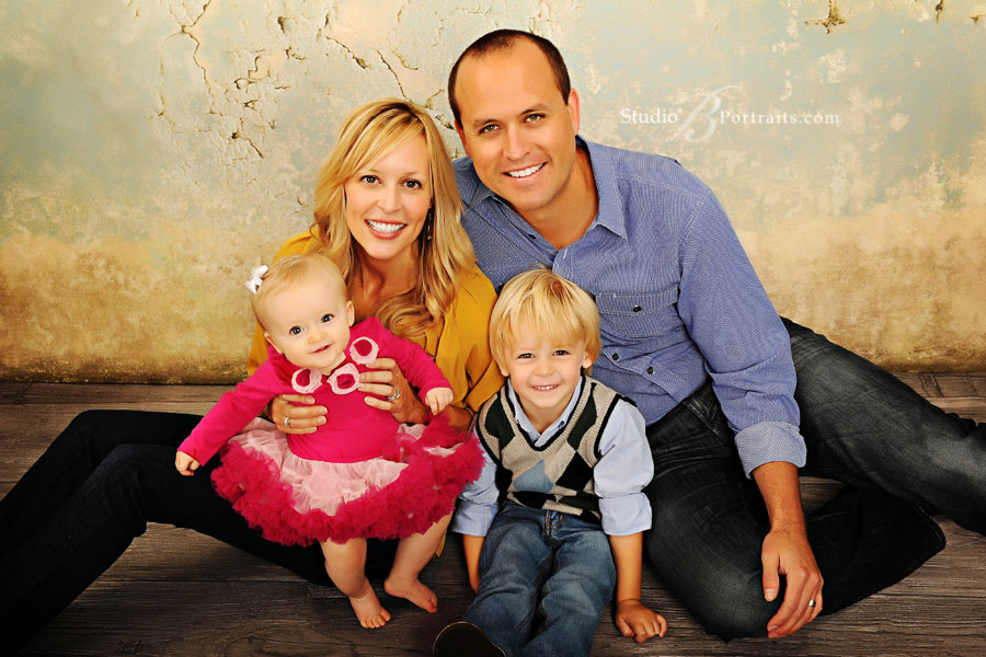 Professional-family-portraits-at-Studio-B-in-Issaquah-near-Bellevue-with-Beauparlant