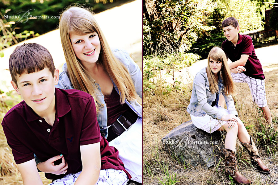 Teenagers-photographed-in-Issaquah-field-for-family-portraits-at-Studio-B
