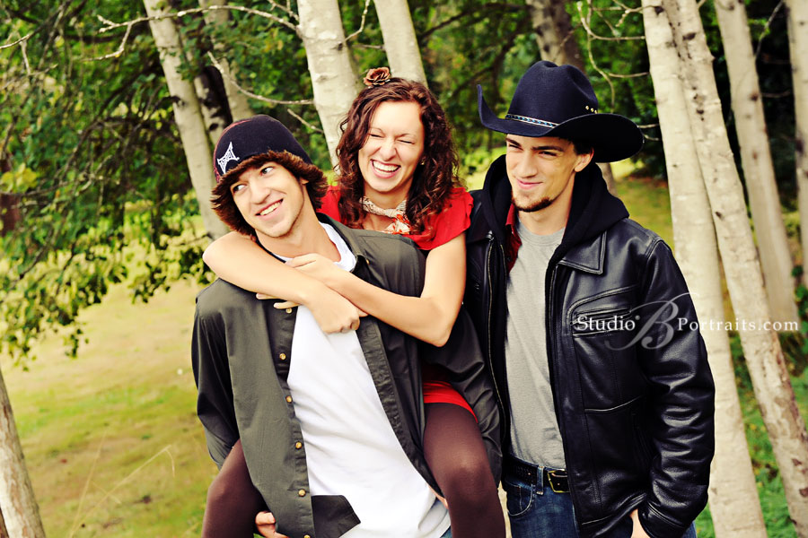 Brothers-and-sisters-laughing-during-family-portraits-at-Studio-B-in-Issaquah
