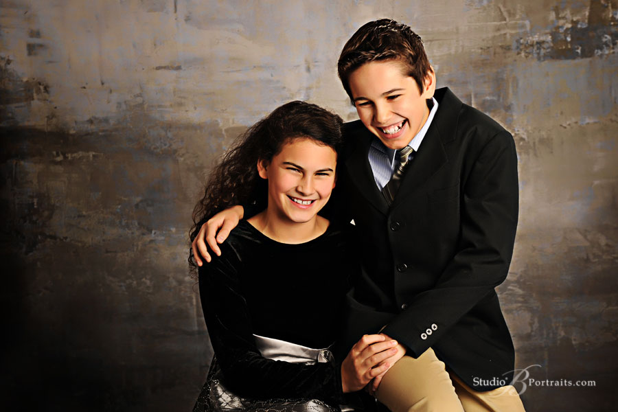 Laughing-kids-at-portrait-studio-in-Issaquah-WA