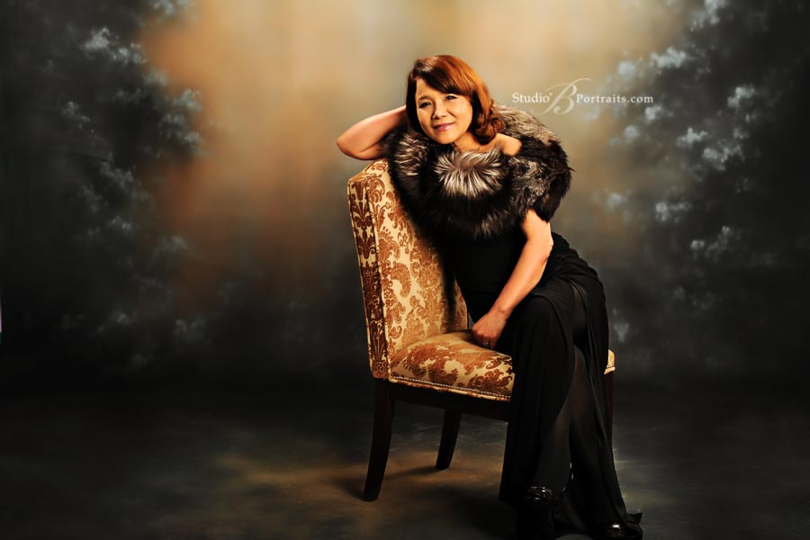 Formal-family-portrait-of-Mom-in-fur-coat_6494