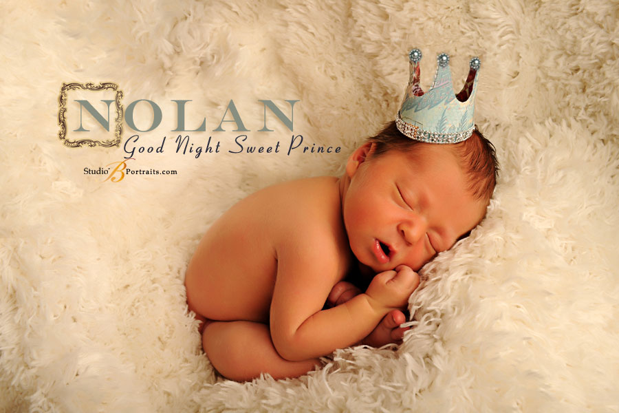 Professional-baby-pictures-Seattle-of-5-day-old-newborn-at-Studio-B-Portraits