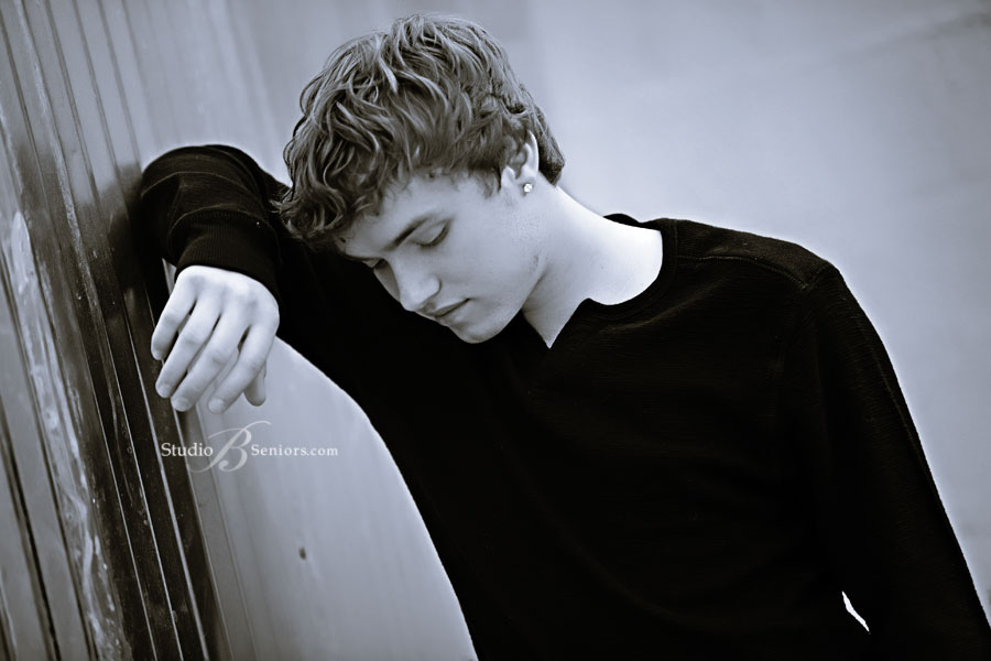 Issaquah-portrait-studio-senior-pictures-of-cool-boy-looking-down