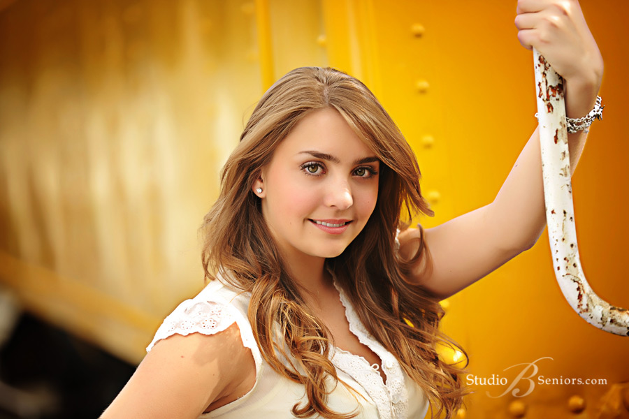 Bellevue-High-School-Senior-Pictures-of-pretty-2013-senior-girl-at-Studio-B-Portraits-in-Issaquah