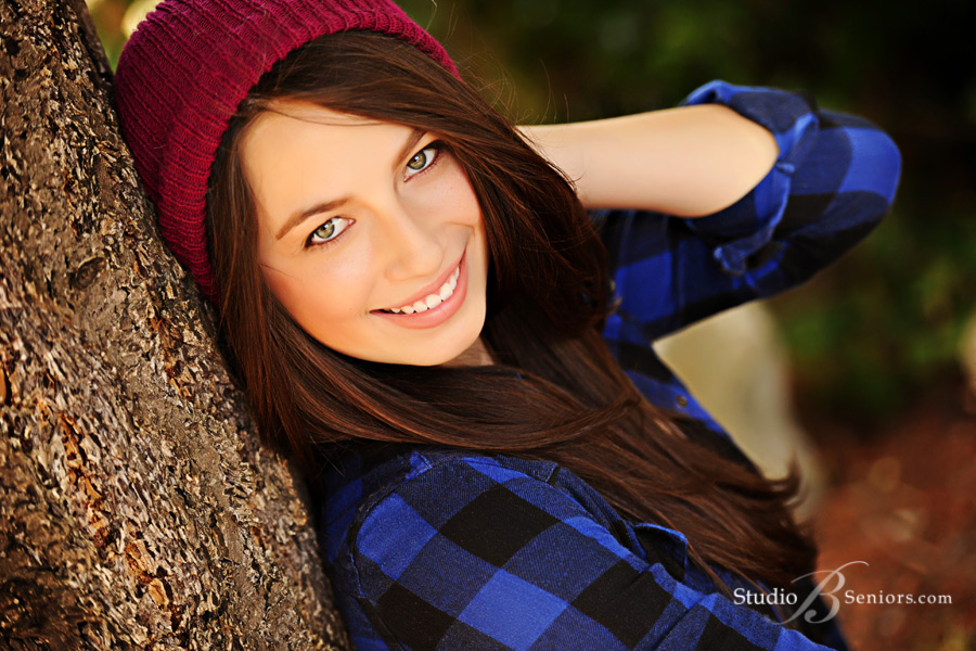 Best-High-School-Senior-Pictures-in-Seattle-at-Studio-B-Seniors-in-Issaquah-of-girl-in-red-hat