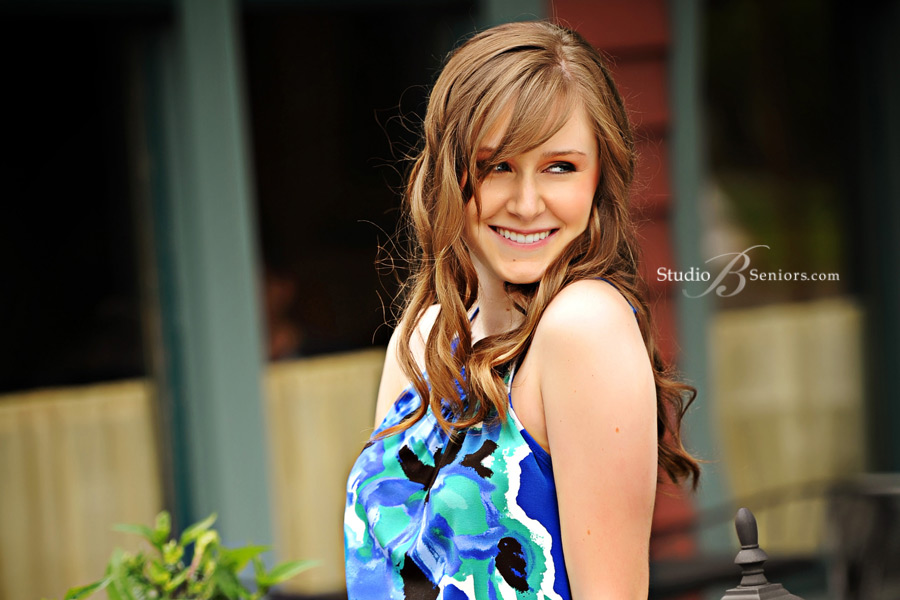 Pretty-Mercer-Island-High-School-Senior-photographed-in-Issaquah-at-Studio-B