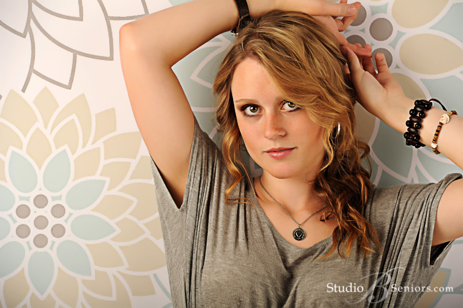 Best-senior-pictures-in-Seattle-at-Studio-B-Portraits-in-Issaquah-of-senior-girl