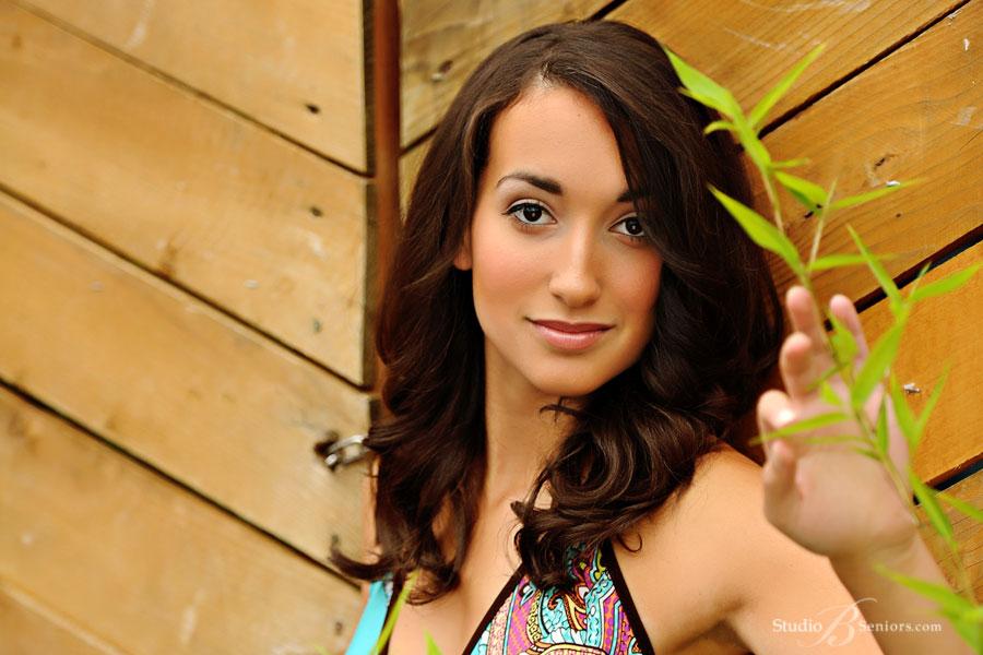 Woodinville-High-School-senior-pictures-of-beautiful-Puerto-Rican-girl-at-Studio-B-Seniors