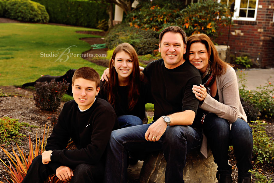 Best-family-pictures-in-Seattle-at-Studio-B-Portraits-near-Sammamish-WA