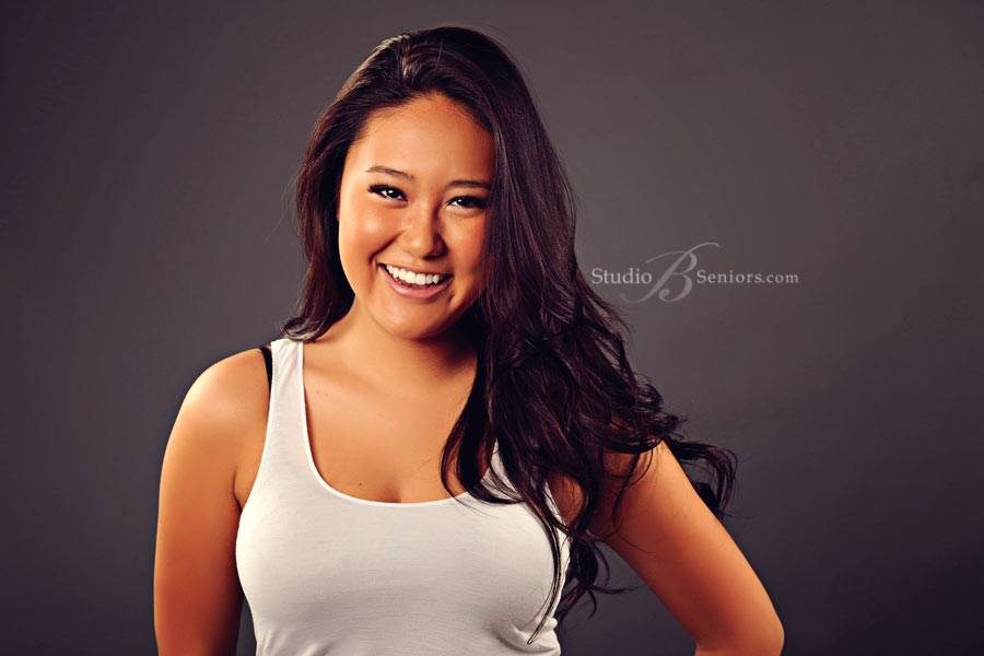Best-senior-pictures-in-Bellevue-WA--of-asian-girl-at-Studio-B-in-Issaquah