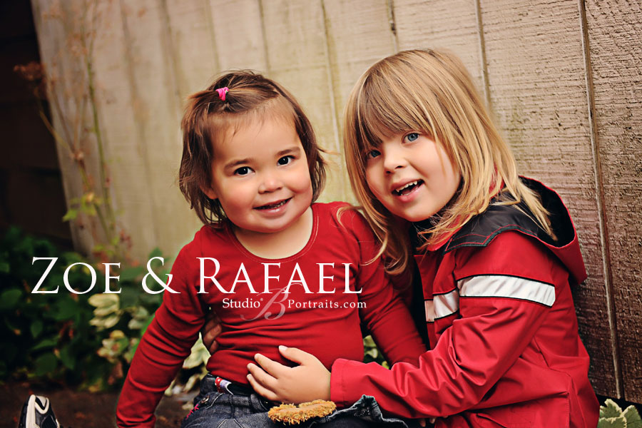 Great-childrens-photographer-photographing-brother-and-sister-at-Studio-B-Portraits-in-Issaquah_a