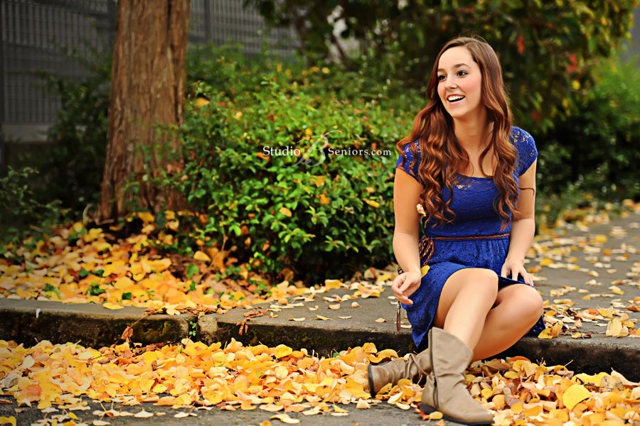 Senior-pictures-playing-in-the-fall-leaves-at-Studio-B-Issaquah-near-Bellevue-WA_2