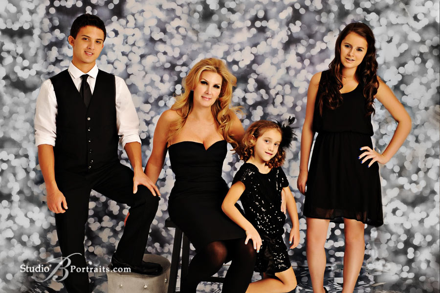 Best-family-pictures-in-Seattle-of-Vizquel-Family-Portraits-at-Studio-B-near-Bellevue-WA