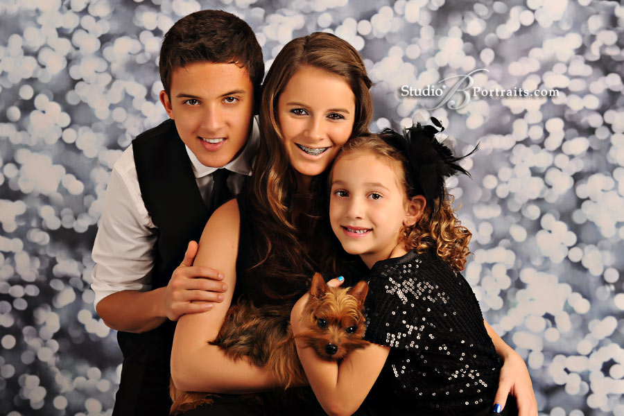 Best-family-pictures-in-Seattle-of-formal-holiday-portraits-featuring-kids-at-Studio-B