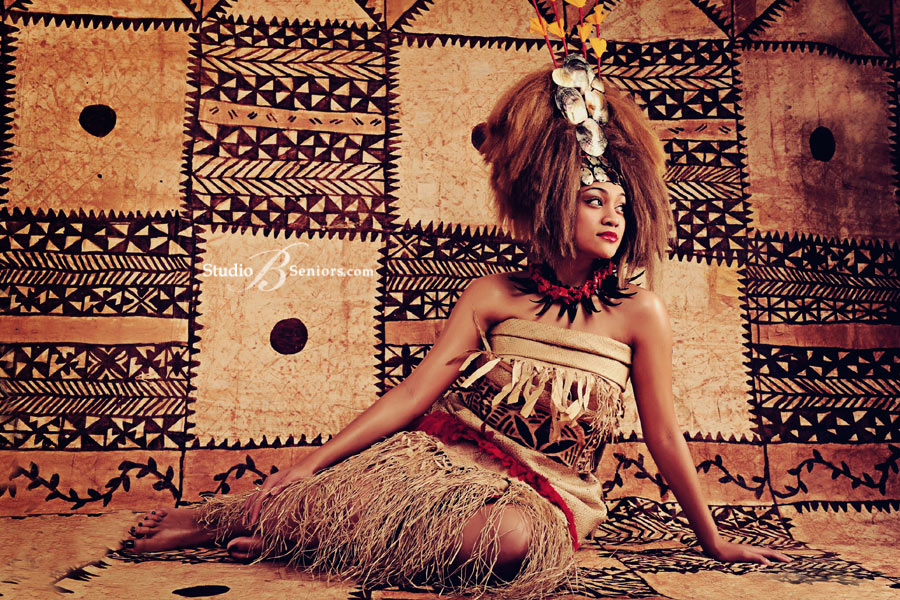 Polynesian-girl-in-authentic-tribal-costume-for-senior-pictures-at-Studio-B-Portraits
