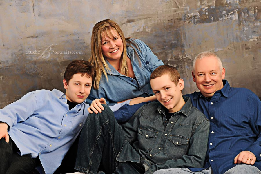 Great-family-pictures-at-Studio-B-Portraits-in-Issaquah_Gudgin