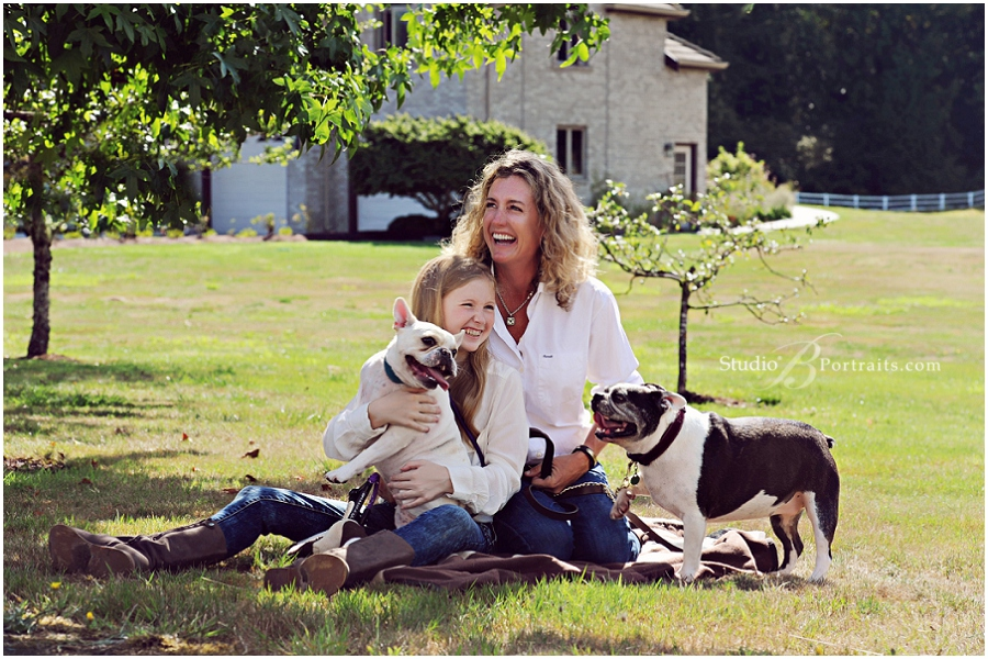 Family photo shoot at stables with horses and bulldogs_StudioB_0075.jpg