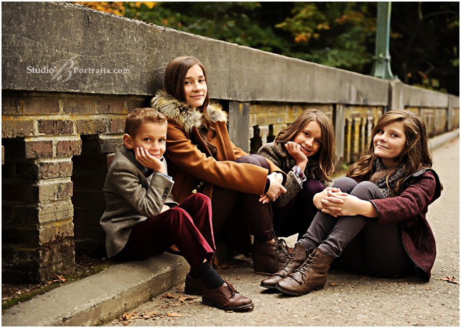 Best outdoor family pictures at Seattle Arboretum in Fall__Brooke Clark_Studio B Portraits_0136.jpg