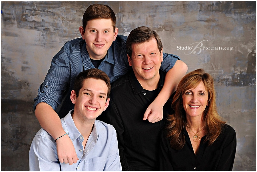 Best family portrait studio in Issaquah for holiday pictures__Brooke Clark_Studio B Portraits_0163.jpg