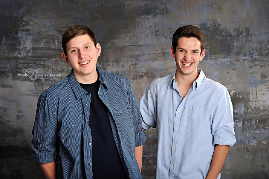 Brothers-family-pictures_Studio-B-Portraits