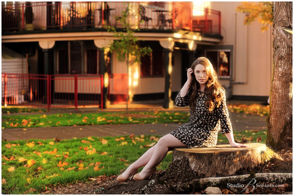 Outdoor senior pictures in fall of irish beauty from Eastside Catholic_Studio B Portraits_0304.jpg