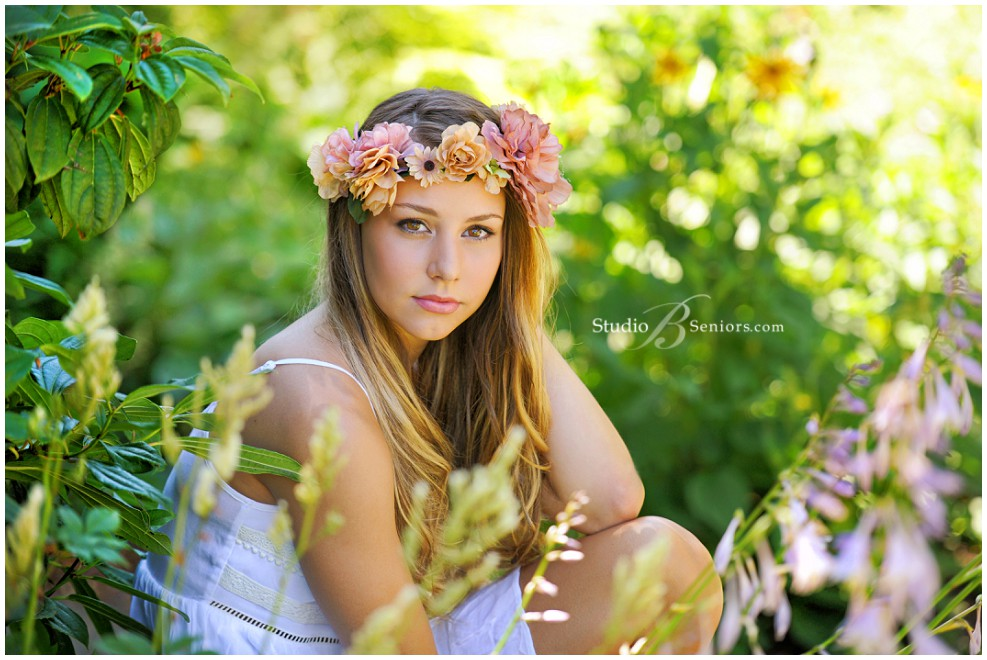 Best senior pictures in Seattle of senior girl in flower crown_Studio B Portraits_0093.jpg