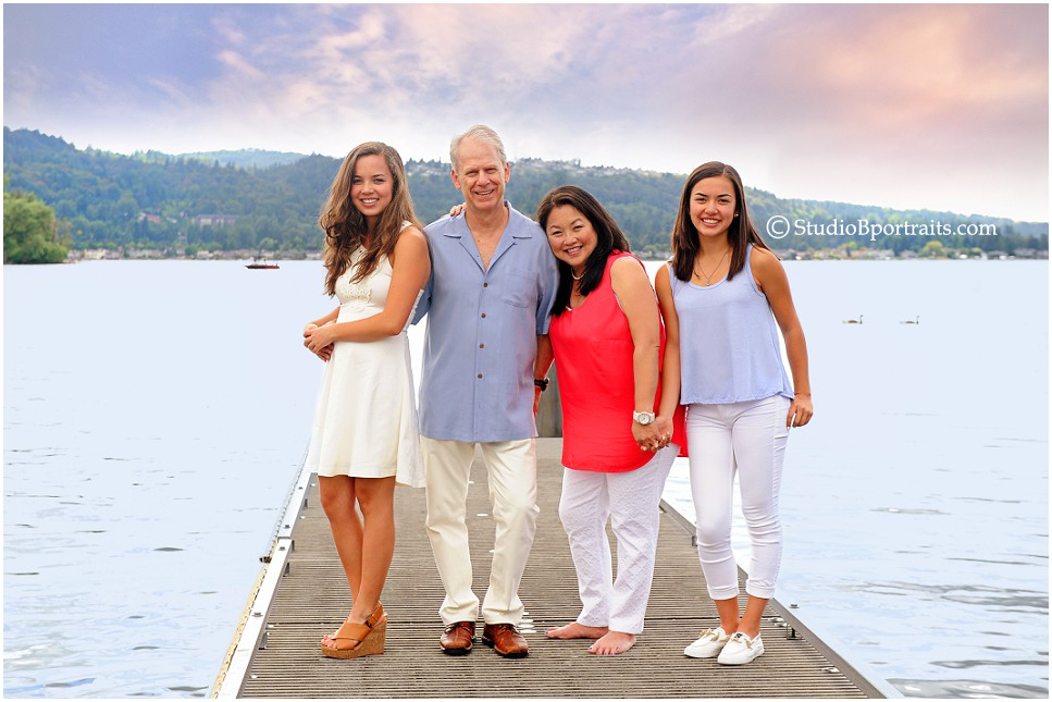 Best family pictures in Seattle at Sammamish Park on water_Studio B Portraits_0102.jpg