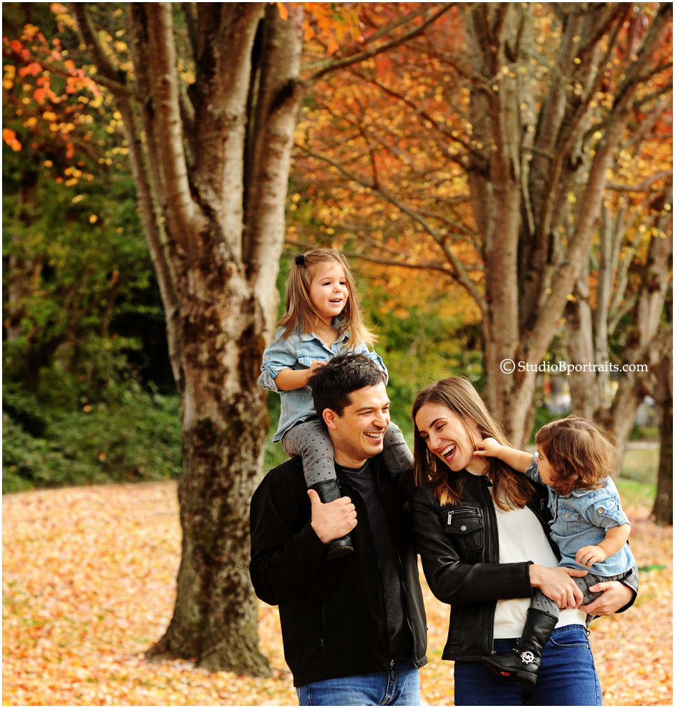 Beautiful family pictures in the fall leaves in downtown Issaquah by Studio B_0211.jpg