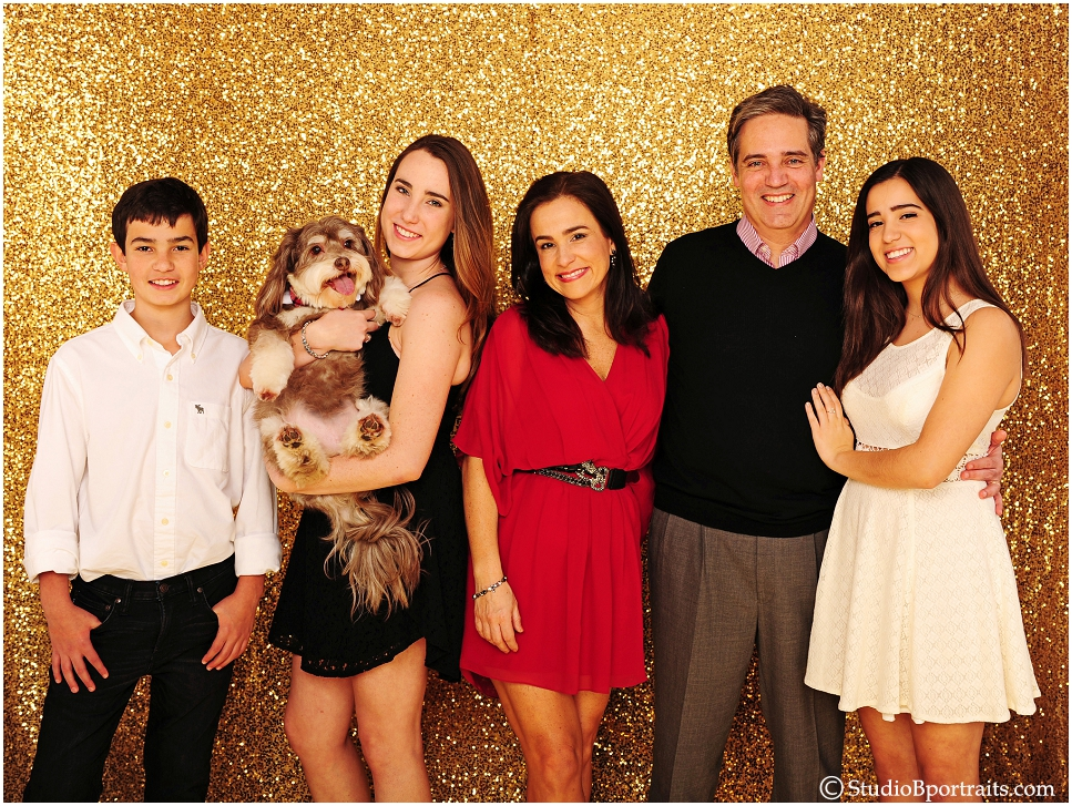 Pretty portugese family portrait photographed on gold glitter background_0240.jpg