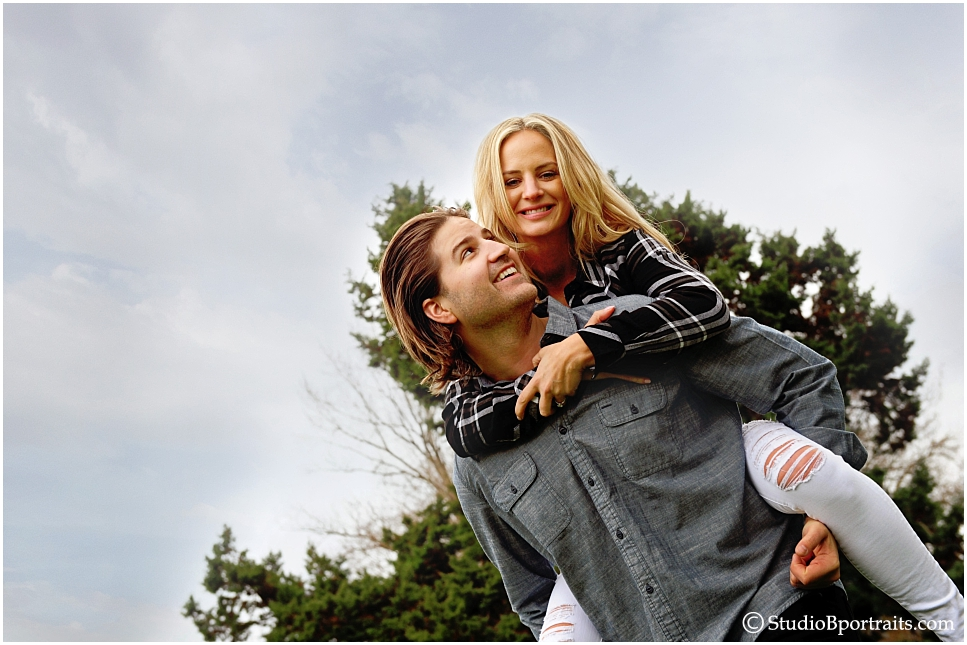 Bellevue Washington Engagment Session of pretty couple in the woods photographed Brooke Clark at Studio B Portraits_0260