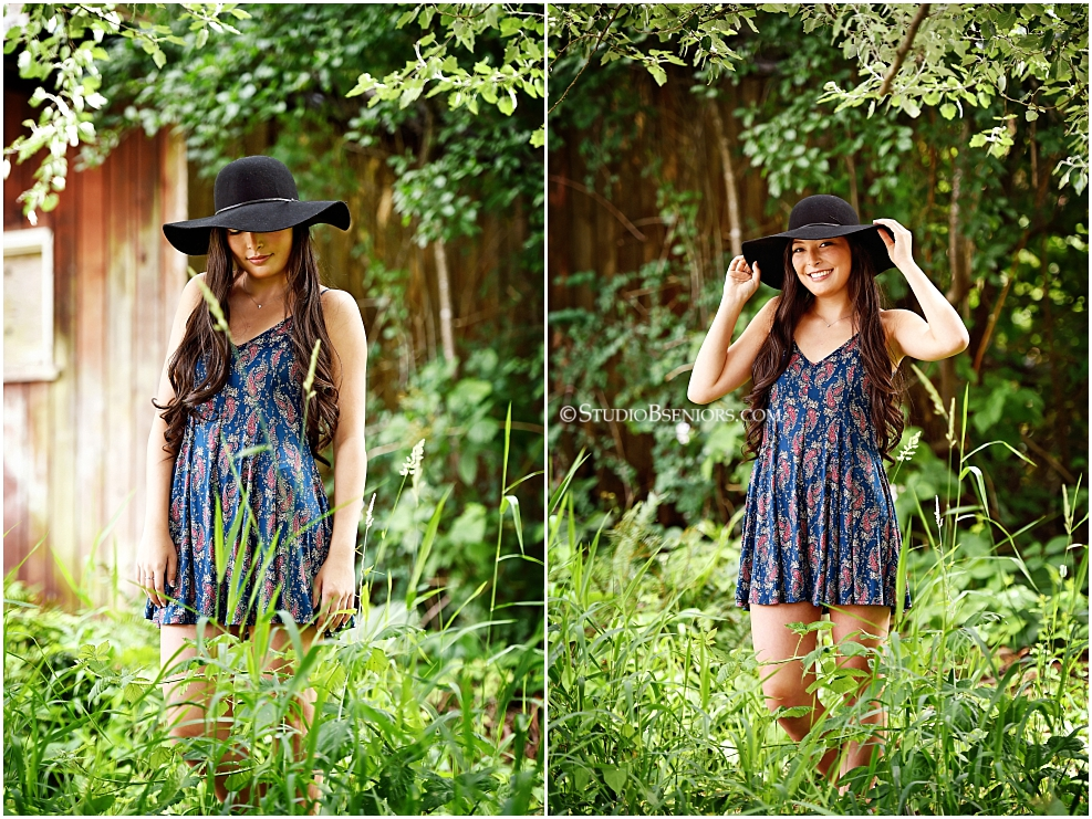 Chic senior pictures in summer dress and black hat_Studio B