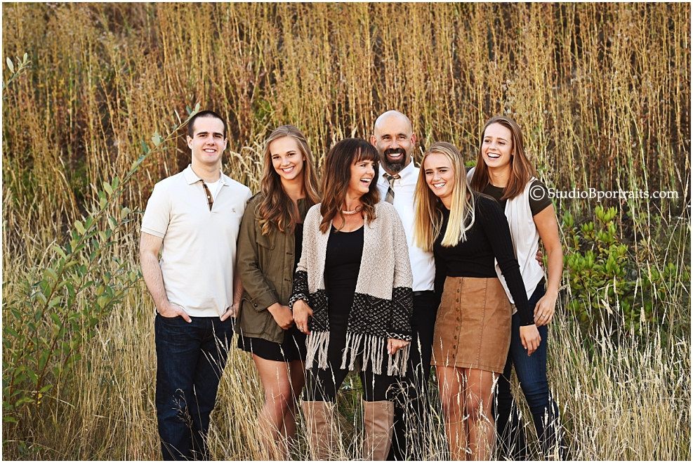 Candid-fall-family-portraits-in-the-Issaquah Highlands