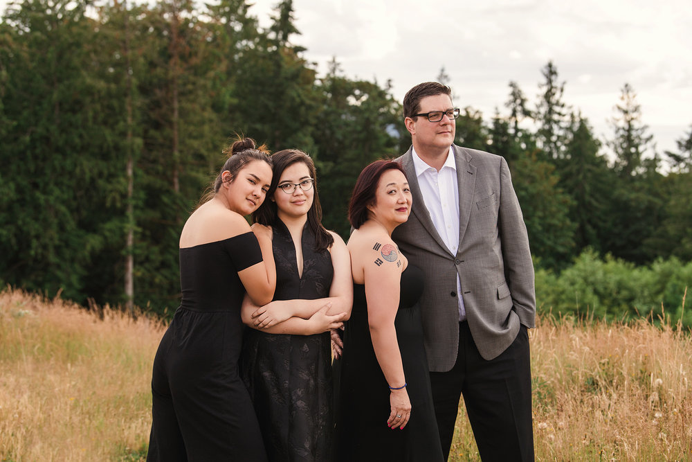 Studio B Portraits_Formal Family Portraits on Sammamish Plateau_Summer_Fall_Kim_6943e2.jpg
