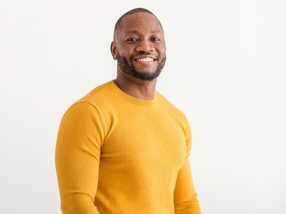 Great professional headshot of african american man in yellow sweater_Heywood_8828.jpg