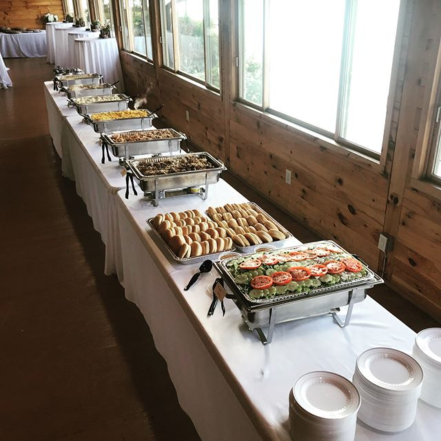 A little Friday night catering for #poppingcorkswiththeorourkes at Vermilion-on-the-Lake. #beautiful #lakeerie #cleveland #foodtruck #catering #buffet #pulledpork #pulledchicken #beyondbbq