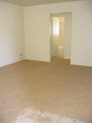 livingroomentry.jpg