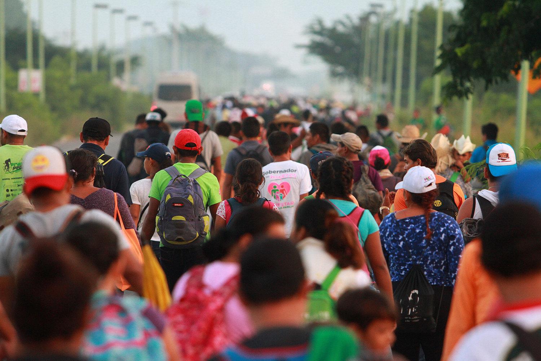 Emigración, empujada por debacle de modelos económicos