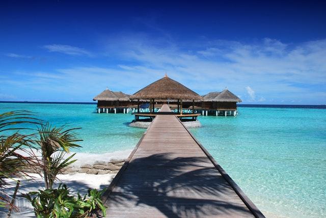 maldives-holiday-hire-virtual-assistant.jpeg