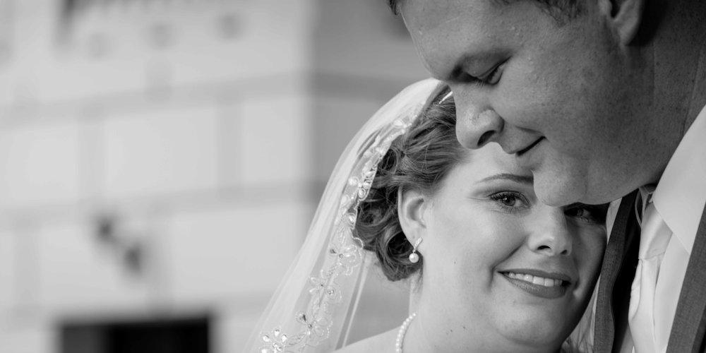 C-King-Photography-Shenandoah-Wedding-Arilie-Bride-and-Groom-Portrait
