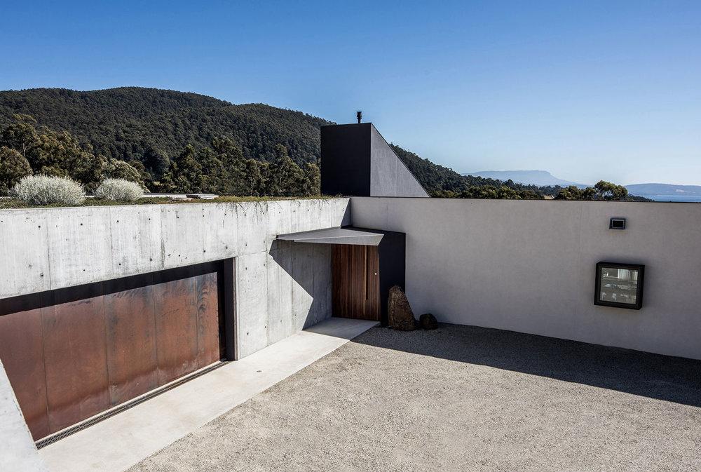 Sunnybanks House