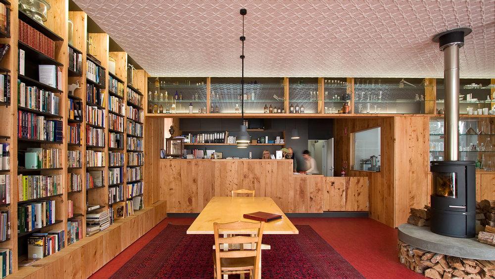 Southern Swan Shop & Dwelling -