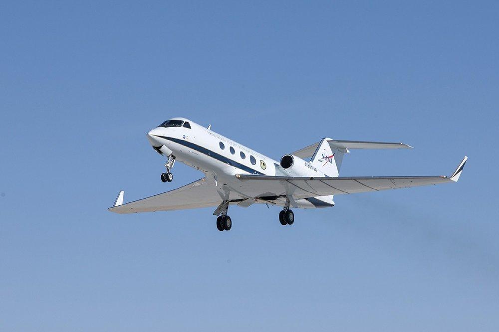 jet-550167_1280.jpg