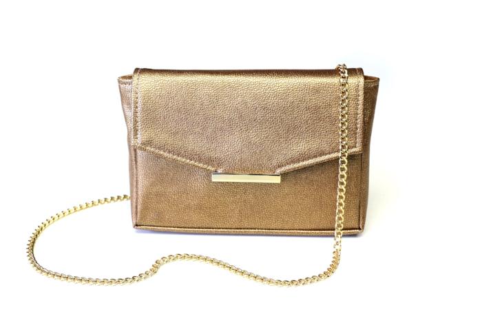 AW16-Convertible-Belt-Bag-Gold-Chain-High-Res.jpg