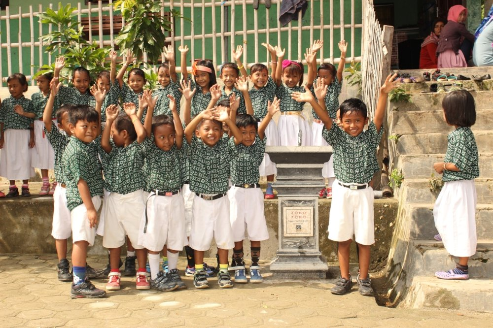 Four schools received Toko-Toko sinks to enable them to get clean water access at schools