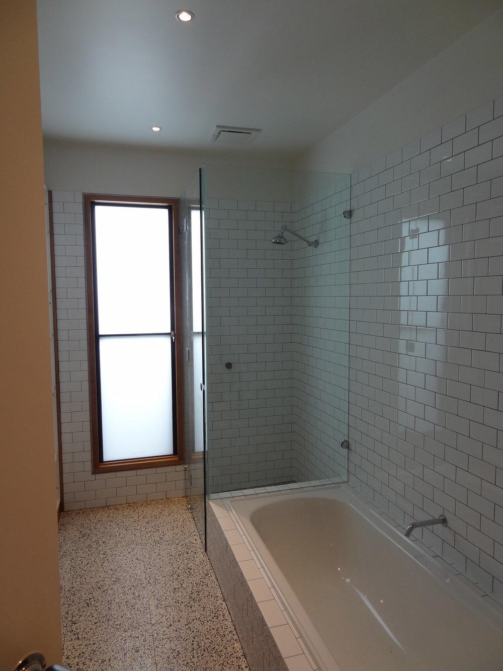 showerscreen_03.jpg