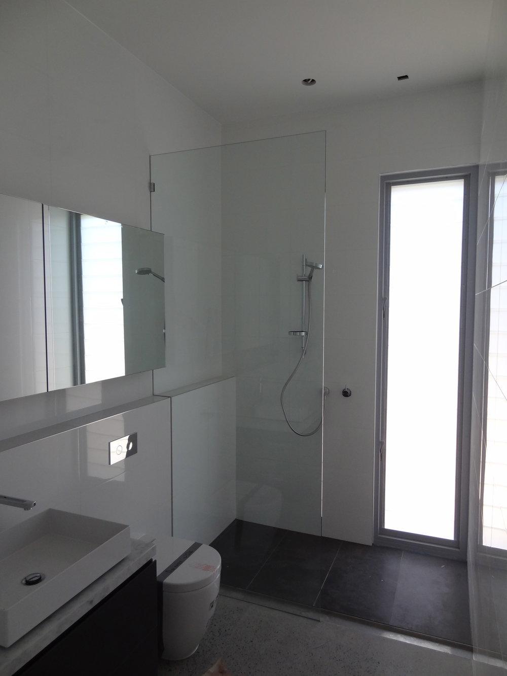 showerscreen_04.jpg