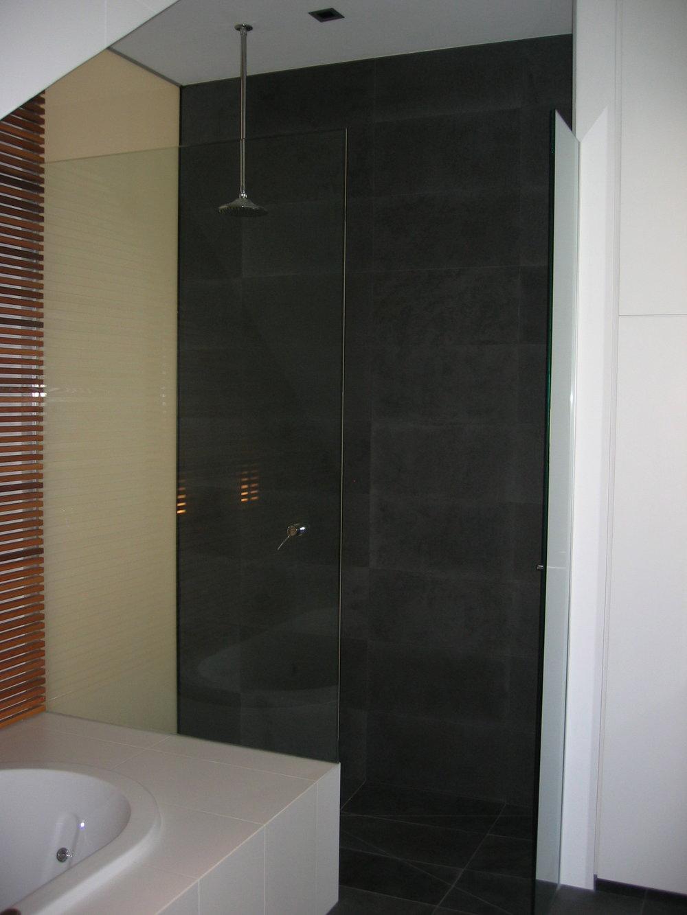 showerscreen_05.jpg