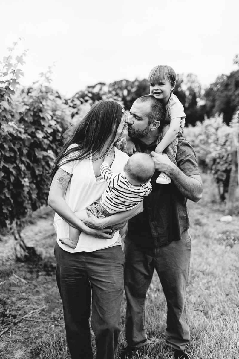 chamard-vineyards-ct-new-england-editorial-family-photographer (13 of 34).jpg