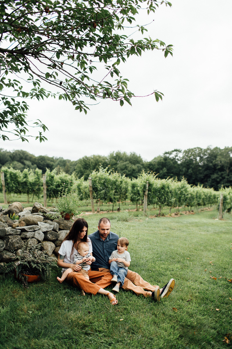 chamard-vineyards-ct-new-england-editorial-family-photographer (25 of 34).jpg