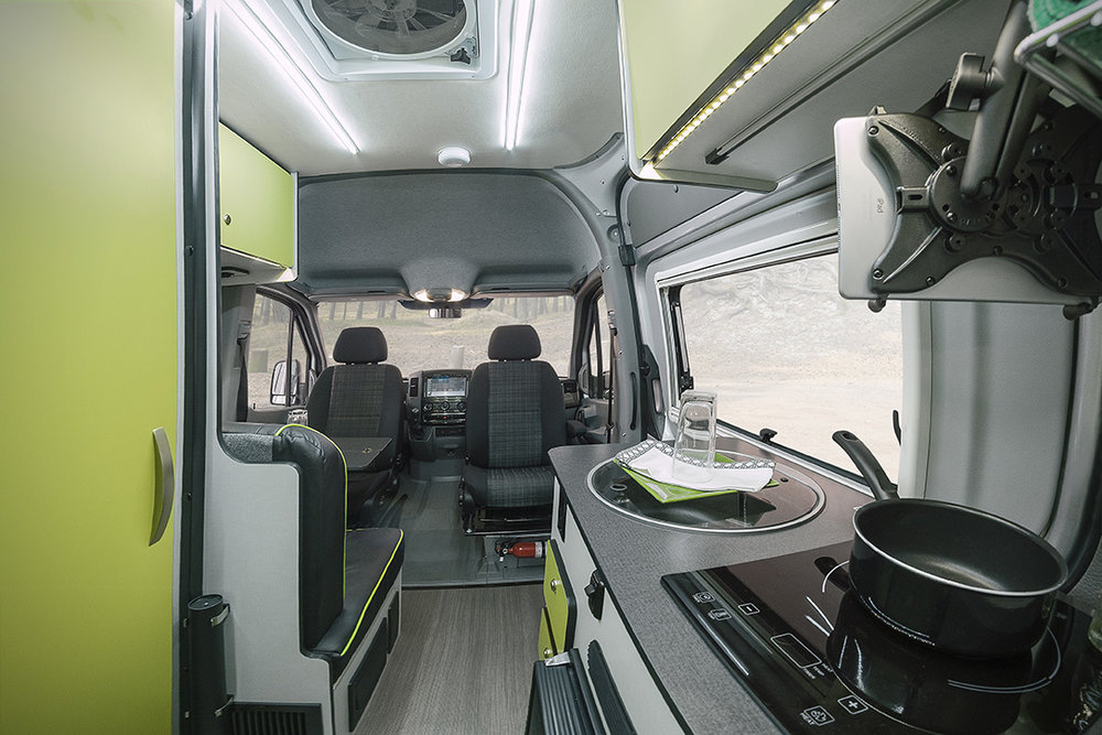Winnebago-Revel-4x4-RV-5.jpg